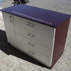 Large Compactum White & Burgundy