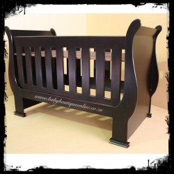 Sleigh Cot - Converts into toddler bed Stein